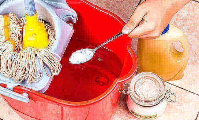 мыть полы с солью